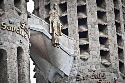 1024px-Sagrada_Família._Façana_de_la_Passió_(ascensió_de_Jesús)